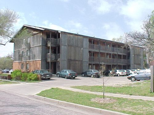 Varsity. College Apartments in Wichita KS   Wichita Apartments