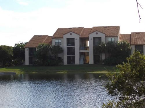 Colony Place apartments in Fort Myers, Florida
