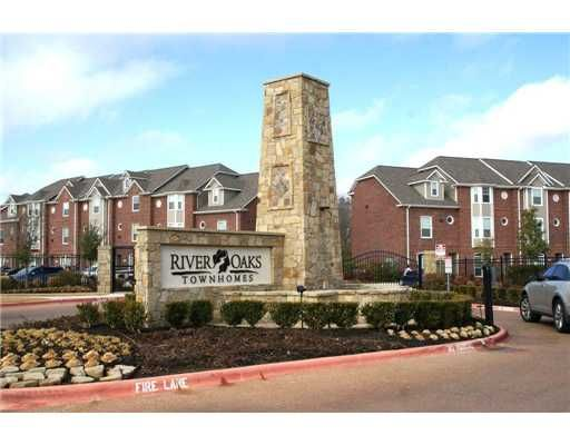 River Oaks Townhomes Apartments In College Station Texas
