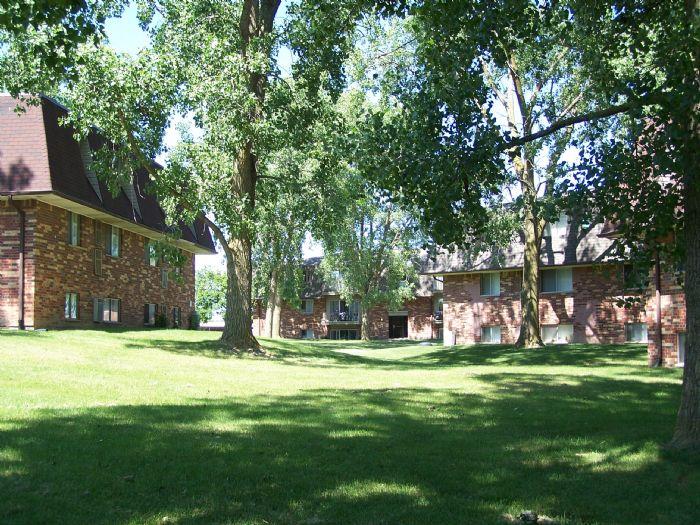 Plumtree Apartments In Lansing Michigan