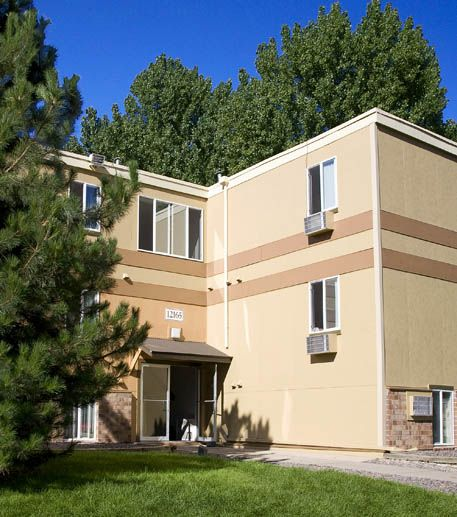 Falls At Lakewood Apartments In Lakewood, Colorado
