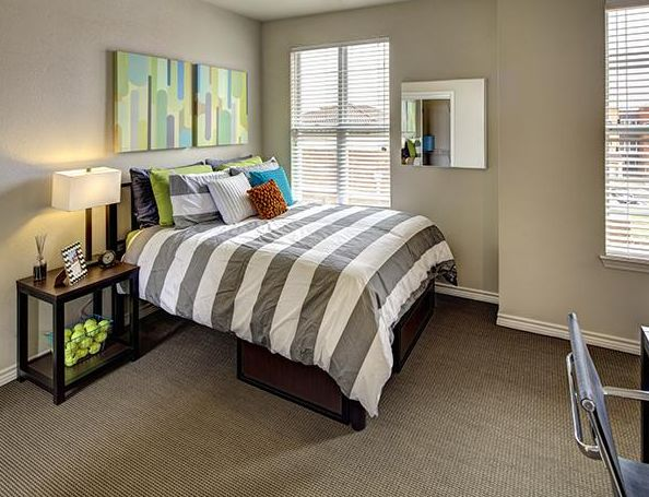 U Club Townhomes At Overton Park Apartments In Lubbock, Texas