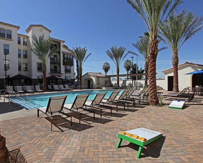 Sterling highlander apartments in riverside california for 3 bedroom apartments in riverside ca