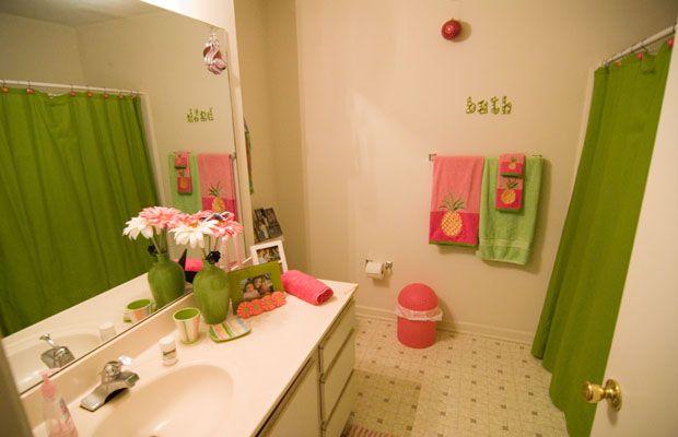 Bathroom Bedroom Kitchen Living Room Exterior  University Glen  Raleigh  North  Carolina. 4 Bedroom Apartments In Raleigh  North Carolina   College Rentals