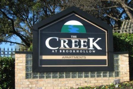 The Creek At Brookhollow Apartments In Arlington Texas