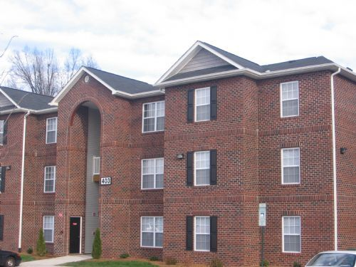 Student apartments in greensboro nc college rentals for 1 bedroom apartments in greensboro nc