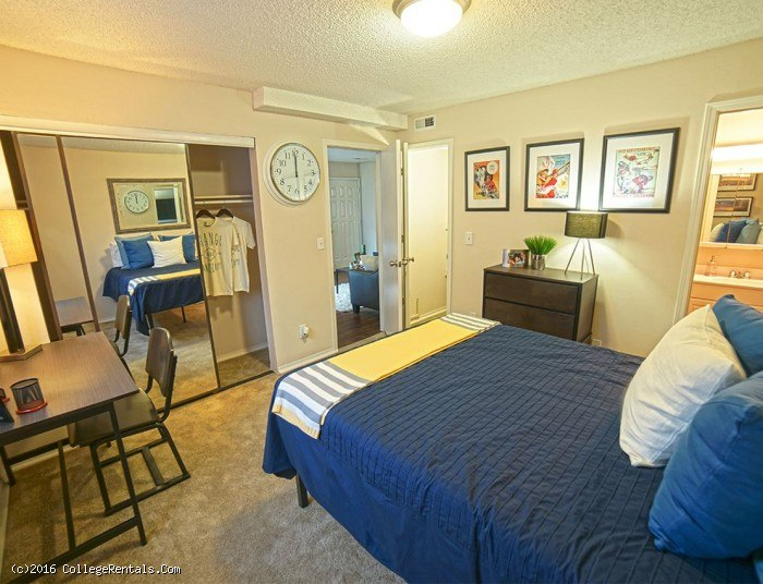 The Rockland Apartments In Lawrence Kansas