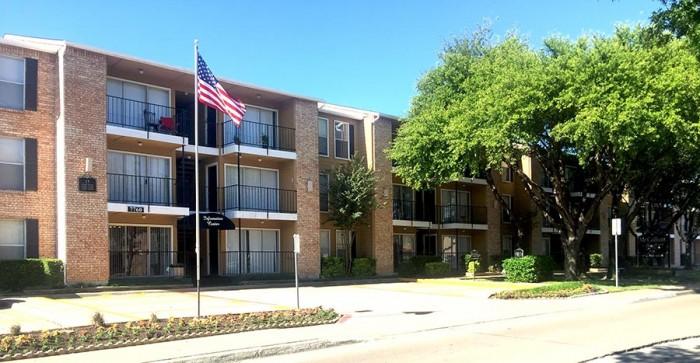 mccallum meadows apartments in dallas texas