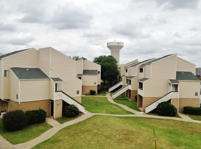The Lexington apartments in College Station, Texas