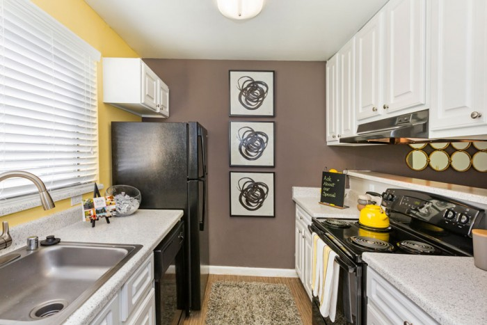Union heights apartments in colorado springs colorado for One bedroom apartments colorado springs