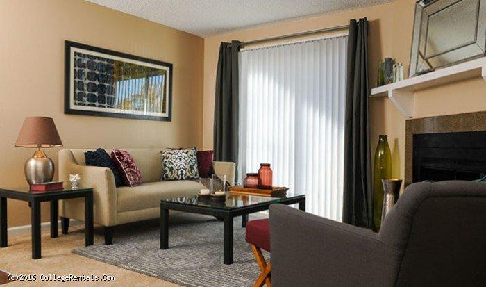 Oak Ridge Apartments Aurora