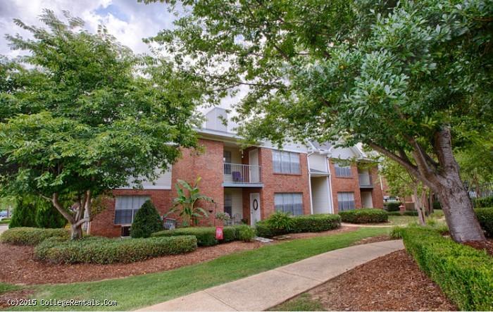 Stone Creek apartments in Tuscaloosa, Alabama