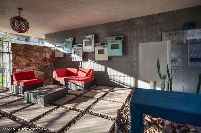 shorewood apartments in phoenix arizona