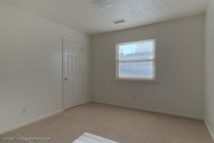 1711 apartments apartments in blacksburg virginia Two bedroom apartments blacksburg va