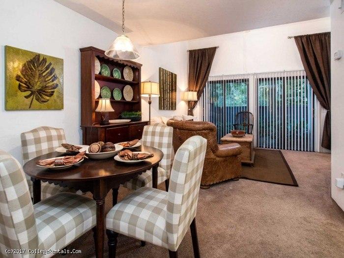 Woodland villas apartments in gainesville florida for Two bedroom apartments gainesville fl
